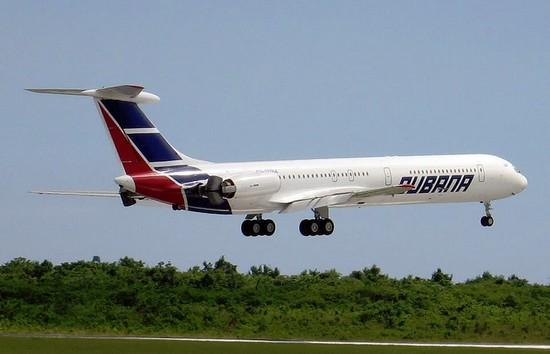 самолет Cubana de Aviación